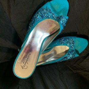 Metaphor Jaycee open Toe Heels beaded Size 8.5
